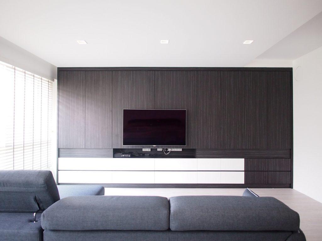 Singapore minimalist living room