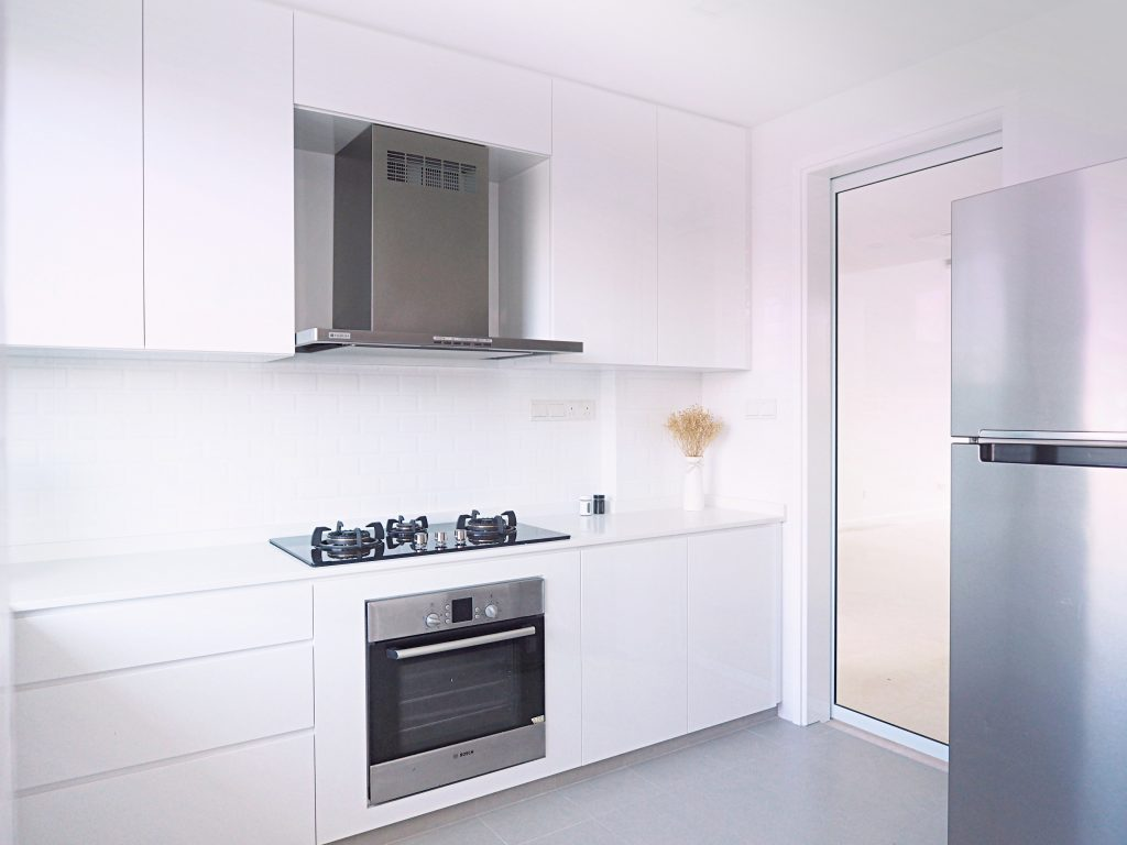 singapore white kitchens