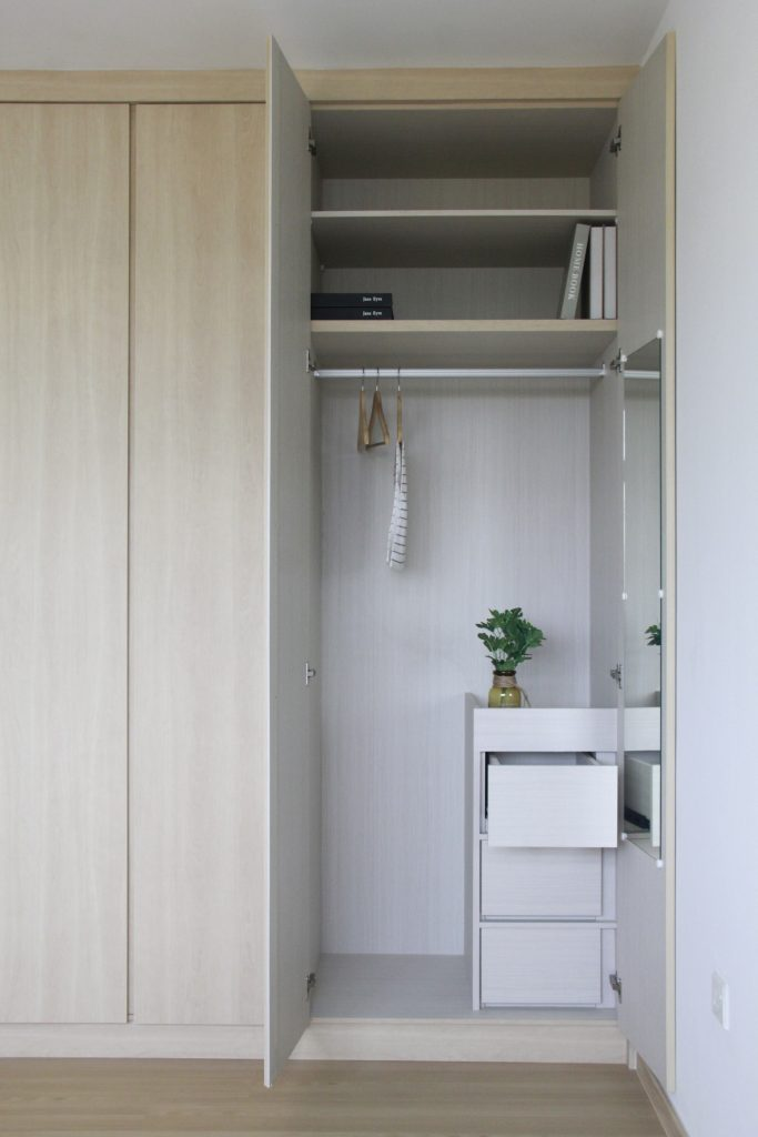 hdb wardrobe