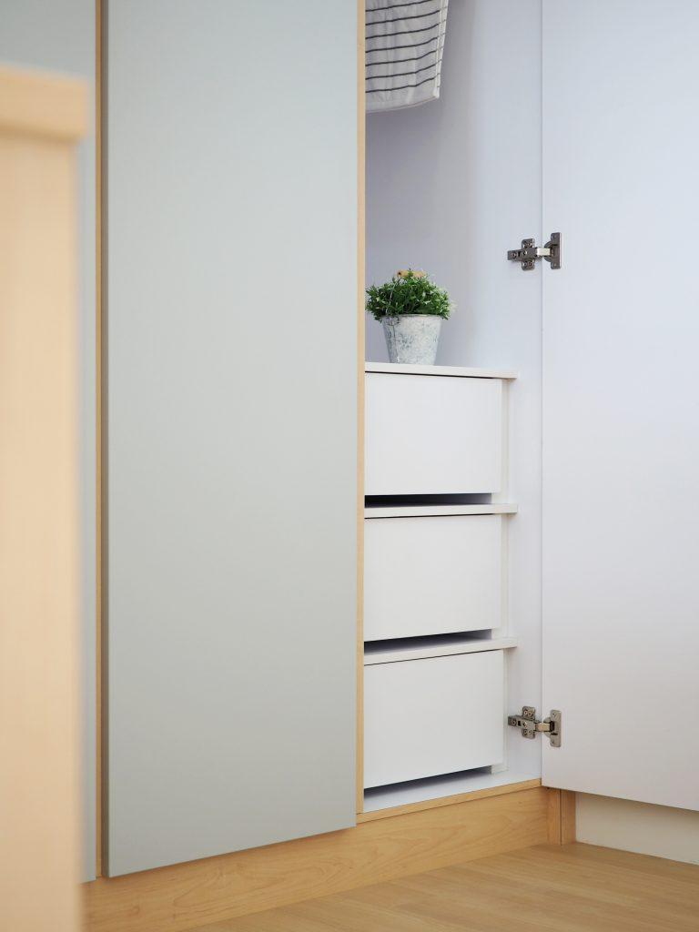 wardrobe design bto