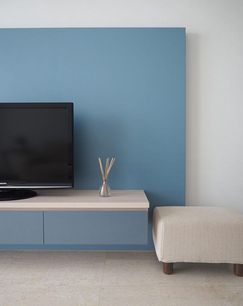 simple tv console
